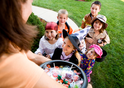 Kids give letter to homeowner who didn't hand out Halloween candy